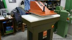 Swing arm cutting machine Atom SE25